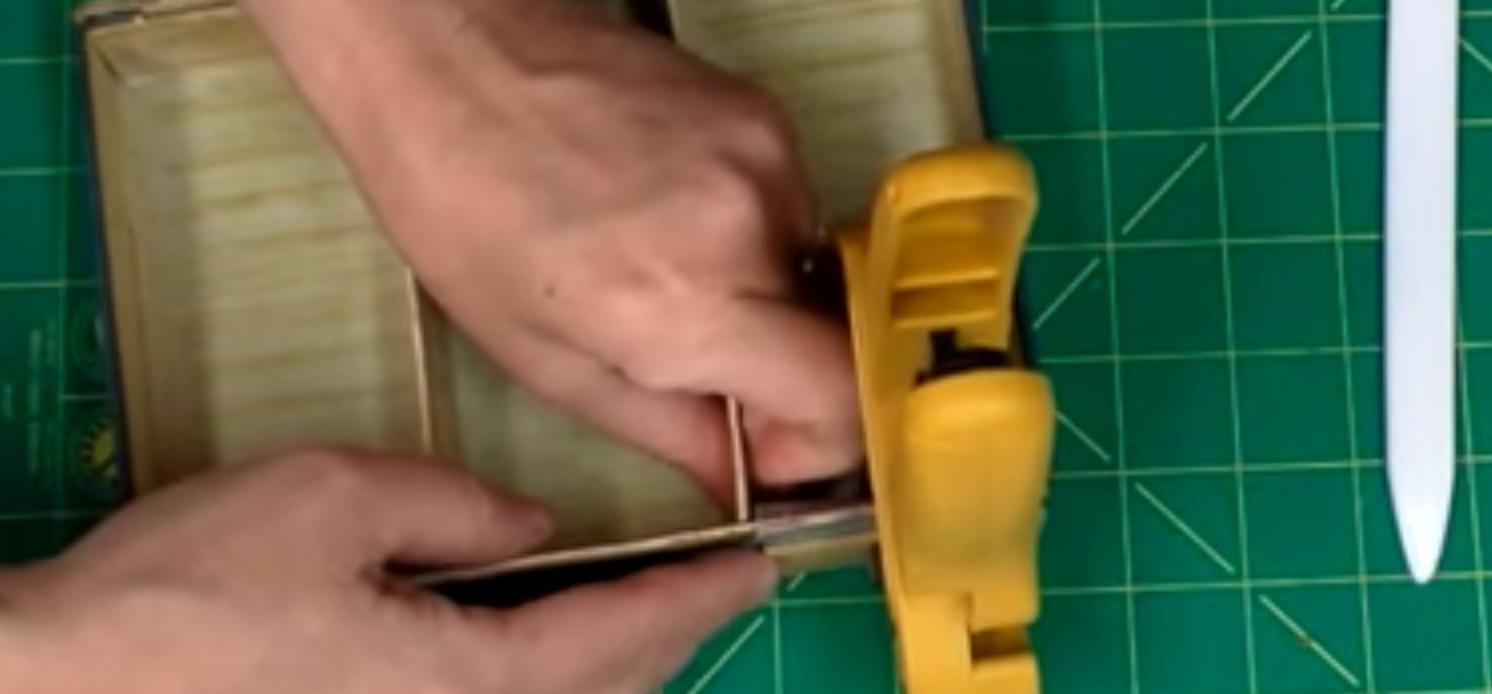 clamp a book box